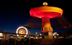There Was a War in His Mind (Thomas Hawk) Tags: california usa unitedstates 10 statefair unitedstatesofamerica fair fav20 ferriswheel sacramento sacramentocounty waveswinger californiastatefair fav10 chairoplanes fav25 swingcarousel superfave californiaexpositionstatefair