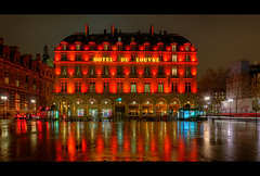Hôtel du Louvre (AO-photos) Tags: light red paris rain architecture night rouge nikon pluie nuit hdr sigma1020 d300s