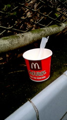 Dumped Mcflurry cup Sutton court Road A4 Chiswick London 25th January 2012 13:15.42pm (dennoir) Tags: road london cup court january mcflurry 25th a4 sutton chiswick 2012 dumped 131542pm