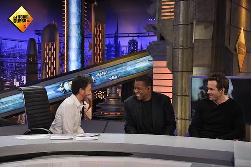 Denzel Washington y Ryan Reynolds estuvieron divirtiéndose en El Hormiguero