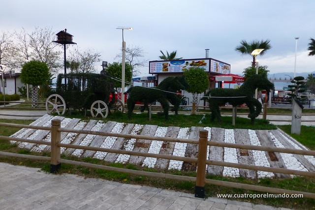 Escultura vegetal en Fethiye