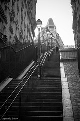 Staircase (Aymeric B.) Tags: paris montmartre staircase