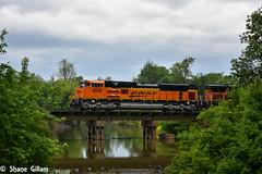 Crossing the creek with BNSF 8536. (Machme92) Tags: railroad sky water clouds america nikon rail row bn american missouri rails railfan bnsf railroads railroading emd railfanning railfans sd70ace nikond7200 burligrton