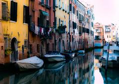 Canale (Pino Snorr) Tags: city italien blue venice sky italy white house black love water italia outdoor venezia venedig canale gondoler veneto ilovepizza sanpolo abigfave