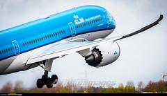 Amsterdam Schiphol Airport: Boeing 787-9 Dreamliner (Simone Ciaralli - AirTeamImages) Tags: amsterdam simone aviation olympus boeing ams saimon avgeek airteamimages saimonvolo ciaralli