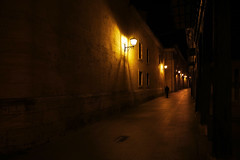 (cherco) Tags: street city man colour lamp silhouette yellow mystery night composition canon noche calle alone ciudad amarillo 5d lonely lantern lampara silueta solitary solitario hombre misterio composicion aloner canoneos5diii