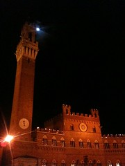 Day #21/30 - Fire in Siena (pomarc) Tags: italy moon night torches medieval siena toscana iphone 30dayswithaniphone