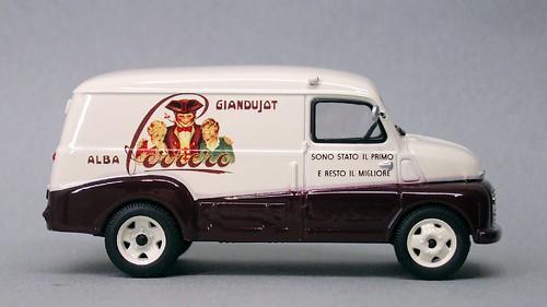 IXO Fiat 615N Ferrero (1)