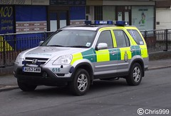 East of England Ambulance Service / Honda CRV / Rapid Response Vehicle / 616 / AU53 GWW (Chris' Transport Pics) Tags: life road uk blue light england film speed honda hospital lights bars pix fuji threatening united fine 911 blues samsung kingdom ambulance east medical queens health national nhs finepix trust vehicle and fujifilm service hd saving emergency medic paramedic savers 112 rapid siren crv response 999 616 braintree twos strobes lightbars rrv rotators vluu pl81 pl90 sl630 leds s2750 au53gww
