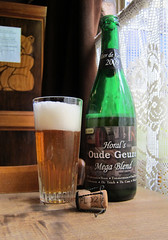HORAL's Oude Geuze Mega Blend (shyzaboy) Tags: beer glass bottle belgium belgie ale belgië palm oude blend beerbottle boon lambic gueuze lembeek horal flemishbrabant brouwerijpalm brouwerijfboon palmbrewery frankboon oudegeuzemegablend fboon