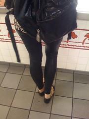 img0319hd6 (PVCLover26) Tags: leggings shinylegggings