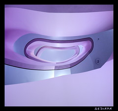 smile (sediama (break)) Tags: blue light smile architecture stairs germany deutschland licht soft hessen purple pentax sigma lila treppe staircase architektur handrail organic banister blau 1020mm kassel lcheln violett escaliers treppenhaus gelnder weich organisch bieling k20d sediama bbpen4142