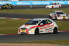 2 Matt Neal Honda Racing Team Civic (Stu.G) Tags: uk 2 england car race corner canon honda matt eos is championship team october unitedkingdom united free kingdom racing silverstone civic british motor practice usm 70300mm ef touring motorracing neal motorsport btcc autosport hondacivic touringcar qualifying carracing 2011 autorace touringcars britishtouringcarchampionship mattneal f456 luffield britishmotorsport canonef70300mmf456isusm 400d canoneos400d freepractice luffieldcorner october2011 hondaracingteamcivic btcc2011 15oct11 15thoctober2011 2mattnealhondaracingteamcivic