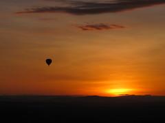 Balloon and the rising sun (Florence3) Tags: sunrise kenya balloon earlymorning masaimara balloonride masaimaragamereserve