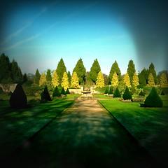 Nottingham, UK. (frontdrive34) Tags: nottingham uk england topiary hedge nottinghamshire newsteadabbey