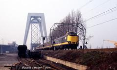 Lang geleden... (2) (Maurits van den Toorn) Tags: train ns eisenbahn zug dordrecht brug railways trein spoorwegen nmbs chemindefer beneluxtrein internationaletrein trekduwtrein