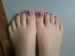 (Tellerite) Tags: feet toes barefeet beautifulfeet prettytoes sexytoes toenailpolish sweetfeet prettyfeet sexyfeet girlsfeet femalefeet teenfeet femaletoes candidfeet beautifultoes polishedtoenails younggirlsfeet youngfeet baretoes girlstoes girlsbarefeet purpletoenailpolish teentoes teenagefeet teenagetoes teengirlsfeet girlsbarefoot youngfemalefeet candidtoes youngfemaletoes