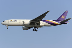 Thai Airways Boeing 777-200 (HS-TJB) DSC8812 (KWsideB) Tags: plane airport singapore aircraft aviation flight aeroplane landing boeing changi spotting airliner tg airtravel planespotting b777 staralliance wsss 777200 uthaithani b772 thaiairwaysinternational  02l 7772d7 runway02l 777hstjb tg407