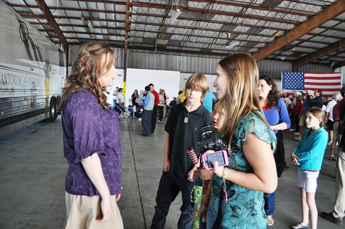 Anna Duggar Speaks with Supporters during Rally for Republican Presidential ...