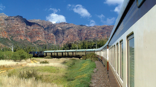 Shongololo Express - Train on bend