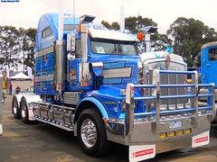 photo by secret squirrel (secret squirrel6) Tags: blue monster chrome huge bobtail kw sandown kenworth bigrigs truckshow aussietrucks worldtruck secretsquirreltrucks maderferri