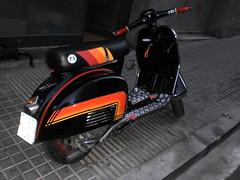 Asiento de Vespa con tapizado personalizado (Tapizados y gel para asientos de moto) Tags: vespa moto serigrafia asiento estampar tapizar personallizar