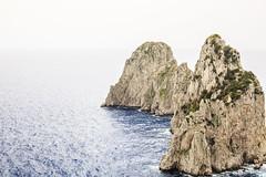 Faraglioni Capri #2 (MaxPa.) Tags: ocean italien light italy nature water canon island capri licht meer wasser natur insel berge 5d felsen faraglioni 2470mm mittelmeer