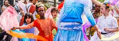 Zinneke Parade 2016 - In de nuages (saigneurdeguerre) Tags: brussels 3 canon europa europe belgium belgique mark iii belgi bruxelles parade ponte 5d nuages brssel brussel belgica bruxelas belgien zinneke 2016 aponte zinnode antonioponte ponteantonio saigneurdeguerre indenuages
