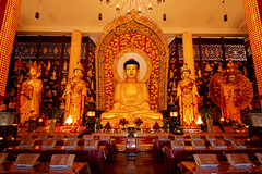 Sakyamuni Buddha (jbilohaku) Tags: canada vancouver temple bc buddha buddhist richmond yvr buda templo canad budista kanado