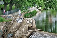 Stéphane à la pêche (guysamsonphoto) Tags: river fishing fisherman rivière pêcheur victoriaville pêche victo rivièreduquébec rivièrenicolet guysamson nikcolorefex4 sony70200f4 sonyalpha7rmkii
