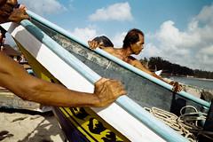 * (Sakulchai Sikitikul) Tags: street leica sea seascape film 35mm thailand boat fisherman kodak streetphotography snap summicron 200 songkhla ttl m6 hatyai 085