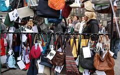 IMG_0711 (stichtingzwerfjongerennederland) Tags: amsterdam vintage tassen mania dedam bdo consultants goededoel dakloos tweedehands thuisloos gekte fondsenwerving zwerfjongeren