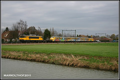 Elst, 22-03-2007 (Mark Rail) Tags: ns 151 nsr 1836 elst planu overbrenging 89355