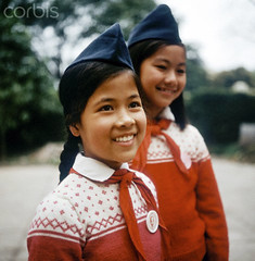 Hanoi 1973 (manhhai) Tags: family usa history smiling war asia southeastasia ship child familie kinder krieg vietnam communism company northamerica everyday population marxism socialism soi indochina geschichte sozialismus facialexpression alltag postwarperiod gesellschaft socialissues nachkriegszeit soziales 70erjahre lacheln soigesellschaftsociety postwarera zbh vietnamkrieg 1970erjahre bevolkerung afterwarperiod