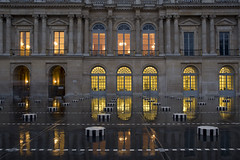 France - Paris 75001 - Palais-Royal (Thierry B) Tags: france monument night geotagged photography frankreich europe exterior photos nacht outdoor dr hiver bynight reflexions geotag fr extrieur nuit iledefrance palaisroyal nocturne parijs idf pars parigi    danielburen geolocation pras  photographies     horizontales europedelouest   noctambule      photosnocturnes gotagg thierrybeauvir  beauvir wwwbeauvircom droitsrservs  photothierrybeauvir 20111217