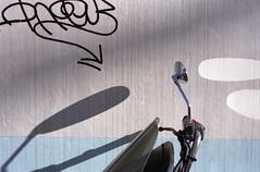 Graffiti & Motorbike (Samuel Seta) Tags: nikonf100 abigfave diamondclassphotographer flickrdiamond goldstaraward theturntable nikonflickraward