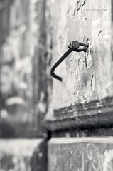 Clavos en la puerta (Mar Merelo) Tags: door puerta nail lugo clavo marmerelo