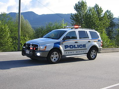 Port Moody Police SUV 2006 (BC Medic Boss) Tags: canada vancouver bc leo britishcolumbia police dodge suv durango lawenforcement portmoody lowermainland barnethighway nleaf portmoodypoliceservice bestdressedpolicevehicle 2006bestdressedpolicevehicle bluelinemagazine
