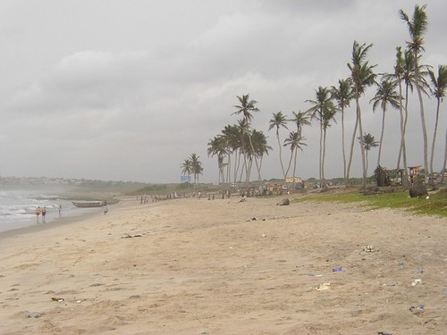 Coast of Tema (Ghana 2005) by paularps