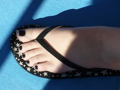 (Tellerite) Tags: feet toes sandals flipflops barefeet beautifulfeet prettytoes sexytoes toenailpolish sweetfeet prettyfeet sexyfeet girlsfeet femalefeet teenfeet femaletoes candidfeet beautifultoes polishedtoenails younggirlsfeet youngfeet baretoes girlstoes blacktoenailpolish girlsbarefeet teentoes teenagefeet teenagetoes teengirlsfeet girlsbarefoot youngfemalefeet candidtoes youngfemaletoes