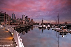 Waterfront Sunset (Vinnyimages) Tags: seattle boats washington washingtonstate seattlesunset pier66 seattlewaterfront anthonyspier66