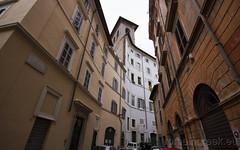 "via della Vetrina • <a style=""font-size:0.8em;"" href=""http://www.flickr.com/photos/89679026@N00/6743762767/"" target=""_blank"">View on Flickr</a>"