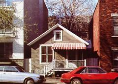 Montréal, vers 1980. Le 4226, rue De Brébeuf. (DubyDub2009) Tags: architecture montréal archive québec histoire façade thenandnow plateaumontroyal avantaprès ruedebrébeuf