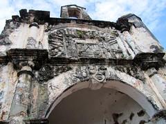 Porta de Santiago facade