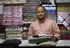 Business's proud (pzocchi) Tags: life portrait people reflex faces ngc arabic saudi arabia jeddah hajj coulors saudita canon1000d