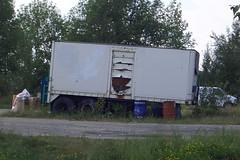 Old tandem axle pup trailer Ottawa, Ontario Canada 08282005 ©Ian A. McCord (ocrr4204) Tags: old ontario canada grass truck weeds ottawa casio pointandshoot trailer pup mccord remorque qvr51 puptrailer tandemaxle 45gallondrums ianmccord ianamccord