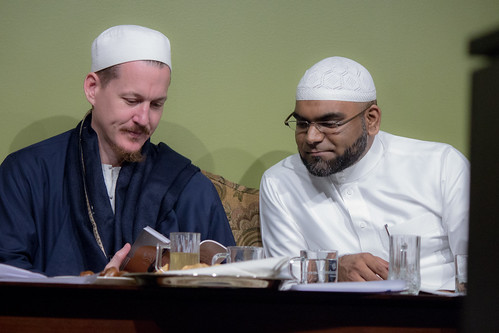 "Shaykh Yahya Rhodus at SeekersHub, Toronto and Seminar Series: Worship, Coffee and The Meaning of Life • <a style=""font-size:0.8em;"" href=""http://www.flickr.com/photos/88425658@N03/26566938740/"" target=""_blank"">View on Flickr</a>"