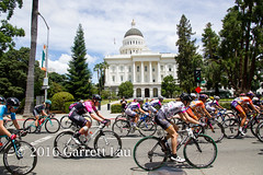 Pack in Front of Capitol (Garrett Lau) Tags: bicycle cycling women racing sacramento amgen criterium stage4 2016 circuitrace tourofcalifornia maraabbott womenscircuitrace sacramentocircuitrace amgenbreakawayfromheartdiseasewomensrace