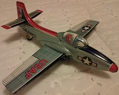 JAPAN STRAIGHT-WING JET # 2735 (NyamalaTone) Tags: vintage airplane toy tin collectible flugzeug jouet avion juguete hojalata tinplate blechspielzeug
