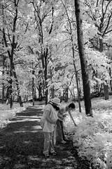 Bonnie and mom in IR (andrew_rizzo) Tags: illinois bonnie sheila lisle mortonarboretum